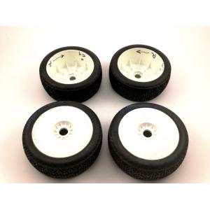 Sumontuotos DuraTrax Persuader Buggy Tire C3 (4 vnt.) su 95% likučiu